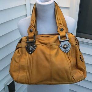B. Makowsky amazing leather purse